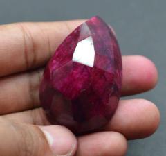 rubyحجر كريم طبيعي الروبي